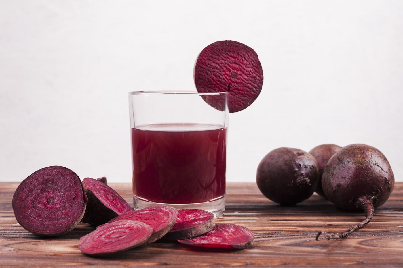 Recette healthy jus de betterave, carotte et gingembre - Uberti